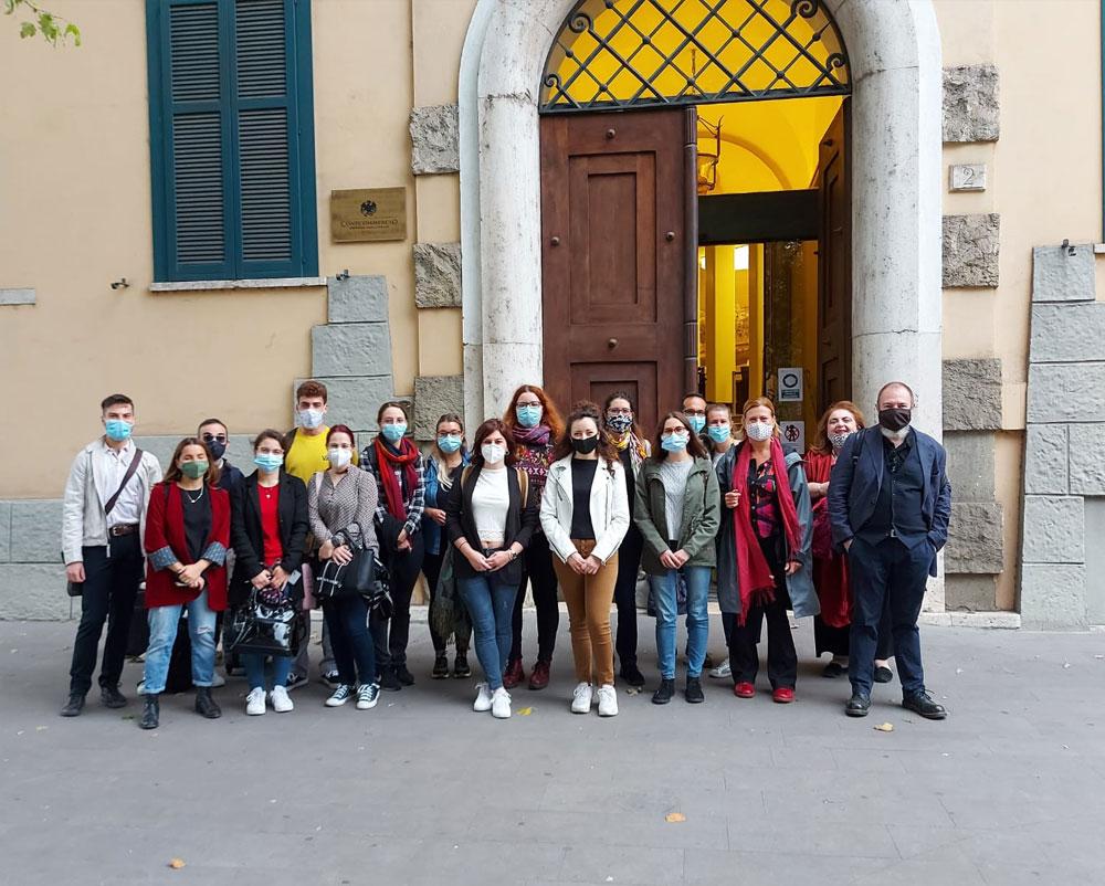 Il corso del 2020 - Foto di gruppo con Carlo Lucarelli